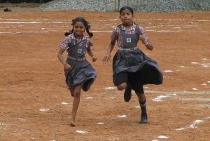 bare feet run girls