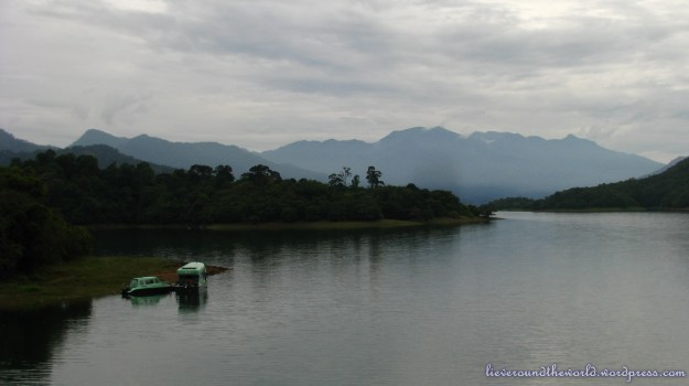 thenmala lake